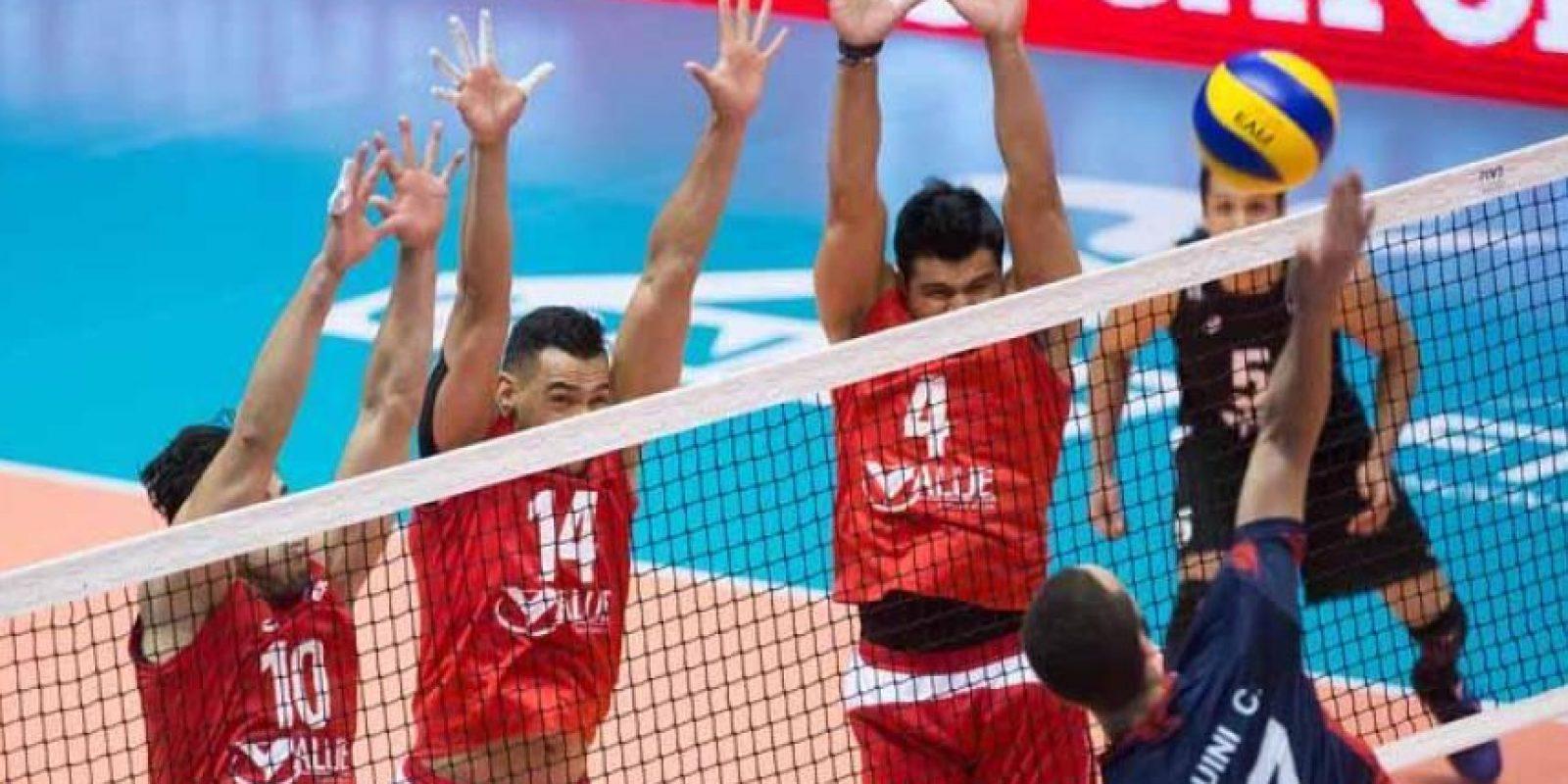 México sumó otra derrota en voleibol masculino, luego de caer 3-0 con Francia Foto:Getty Images