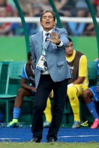 """""""Yo no sé si Diego ahora esté viendo bien el fútbol, no lo acredito"""", dijo Pinto Foto:Getty Images"""