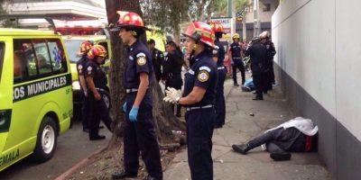 EN IMÁGENES. Cámaras captan el momento exacto del ataque armado en zona 10 que dejó dos fallecidos
