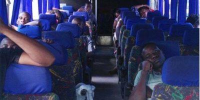Rescatan a 23 africanos y capturan a supuestos traficantes de personas