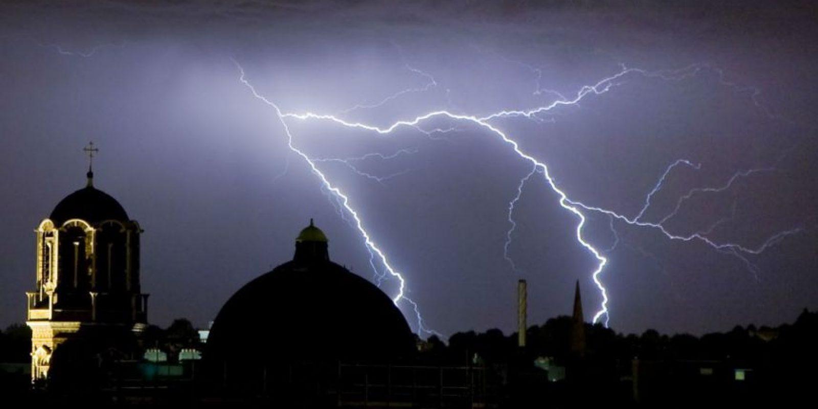 Hay ciertos factores que facilitan que un rayo golpee cierto lugar. Foto:Getty Images