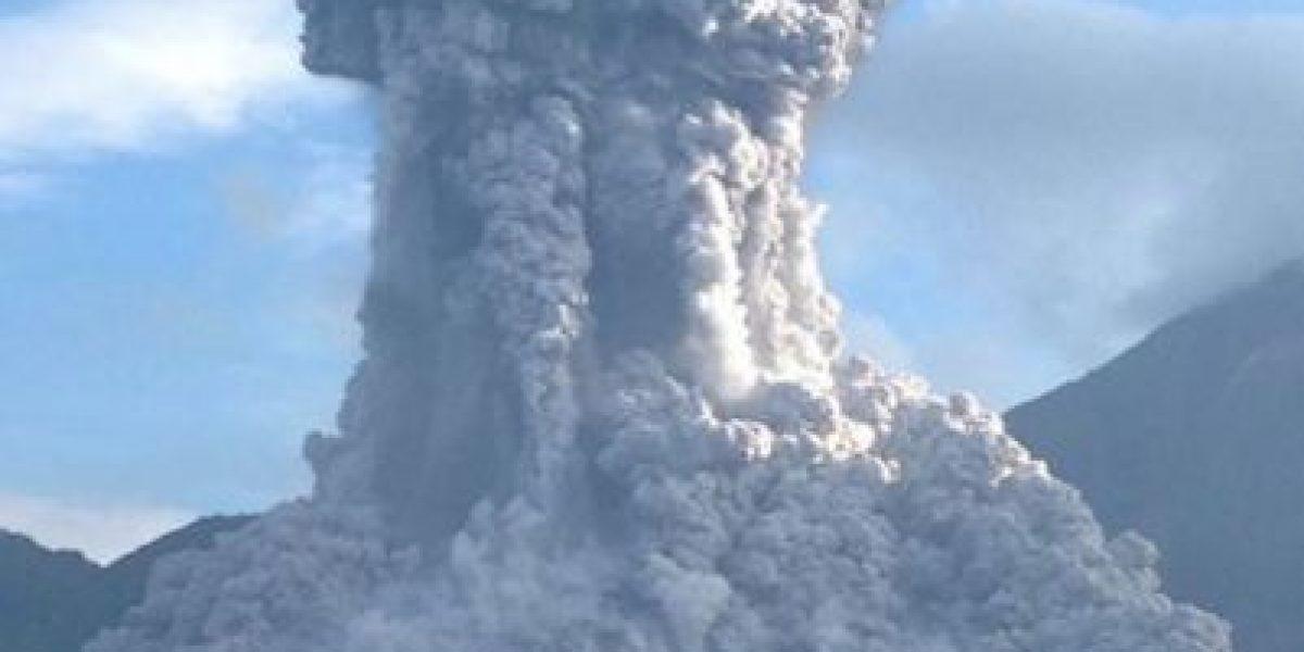 Conred en alerta por actividad explosiva del volcán Santiaguito