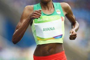 Alma Ayana. La etíope ganó los 10 mil metros planos con un nuevo récord olímpico y mundial de 29:17.45 Foto:Getty Images