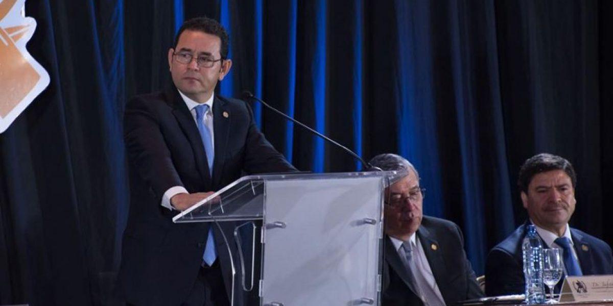 VIDEO. Jimmy Morales se quebranta totalmente durante discurso y ya no pudo continuar