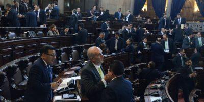 "Enmienda pretende prohibir a extranjeros ""intervenir"" en asuntos políticos"