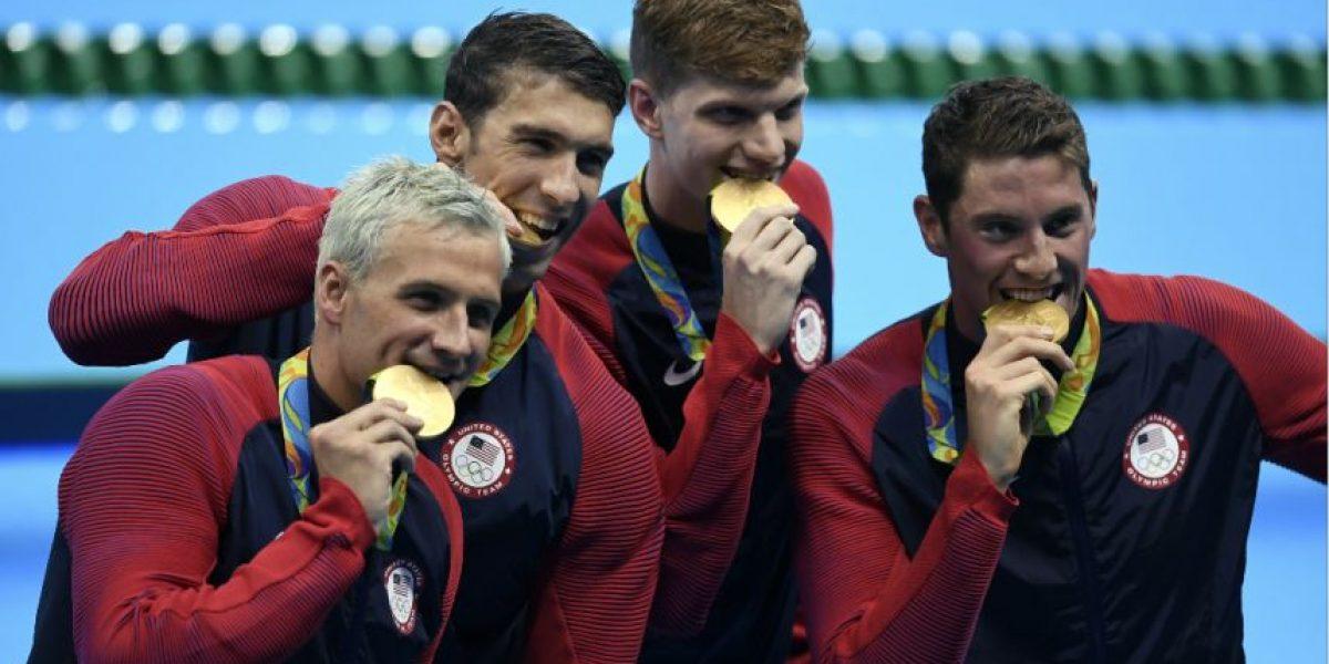 Nadador Ryan Lochte se disculpa y los estadounidenses