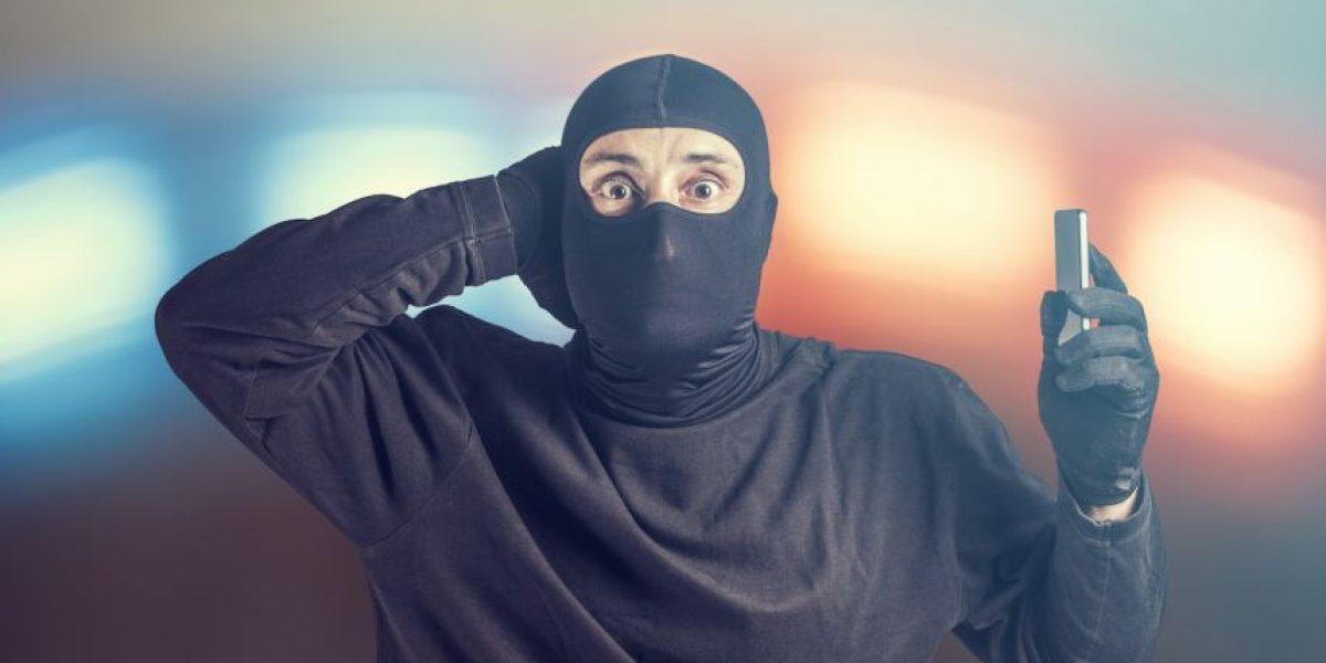 Los ladrones más tontos: se quedan encerrados y todos se ríen de ellos