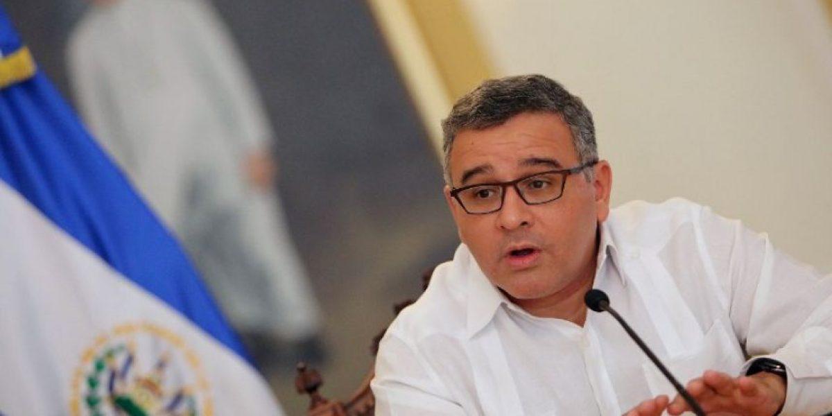 Expresidente salvadoreño responde a señalamientos de fiscal