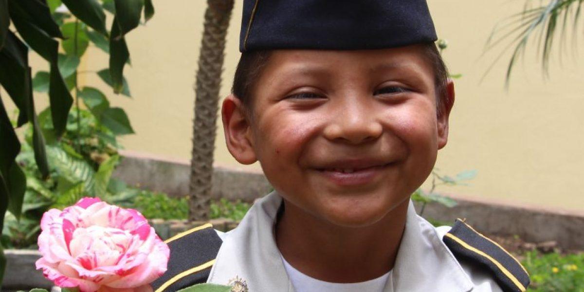 La historia de este niño que cumplió su sueño de ser policía te romperá el corazón