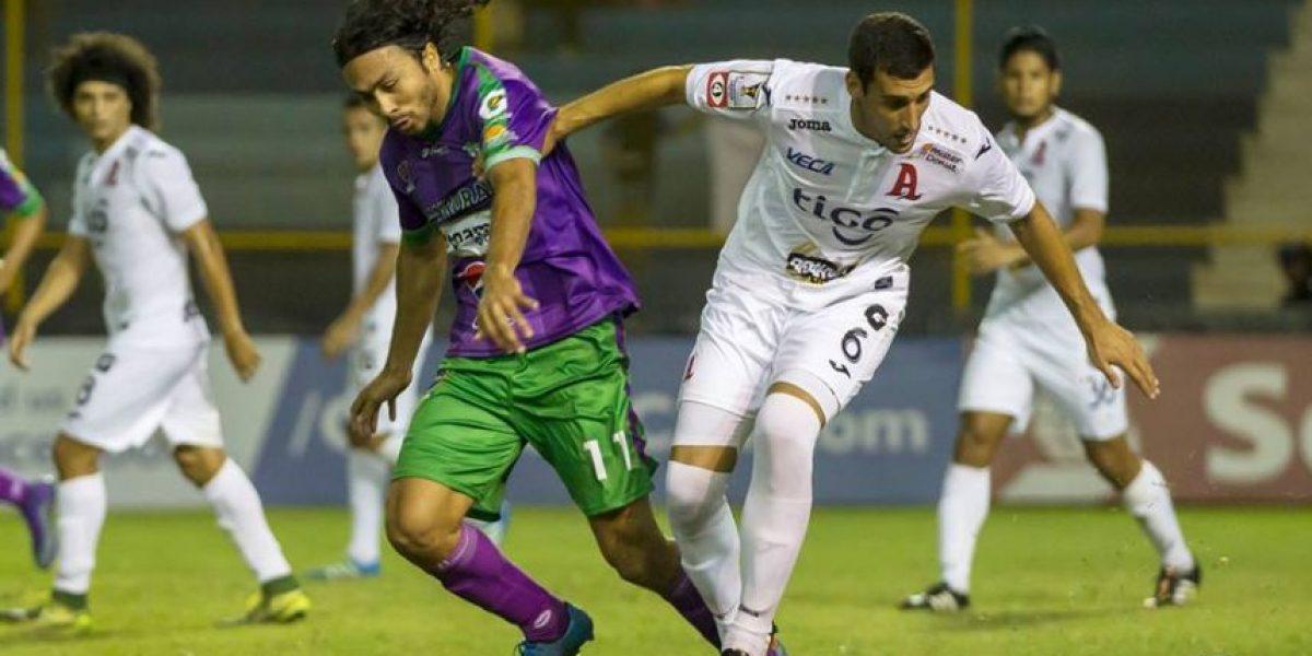 Antigua GFC rescata un empate en El Salvador