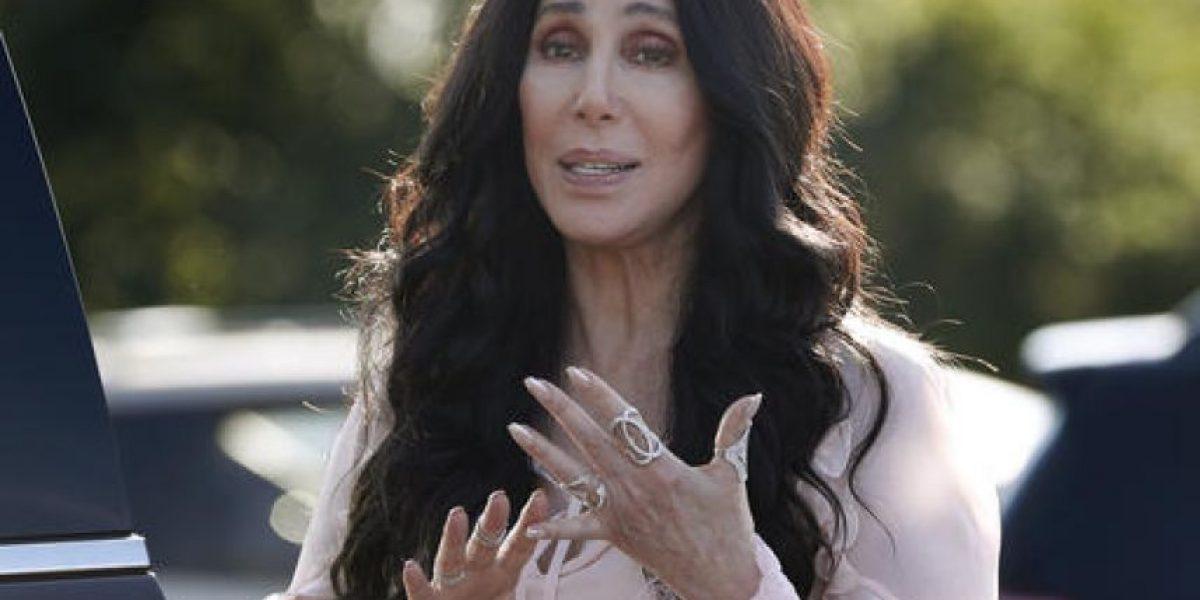 Cher compara a Donald Trump con Stalin y Hitler