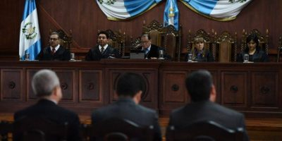 Jimmy Morales no puede crear la SAE mediante acuerdo gubernativo, según magistrados de la CC