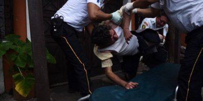 Localizan hombre inconsciente y sin pantalones a un costado de la CC