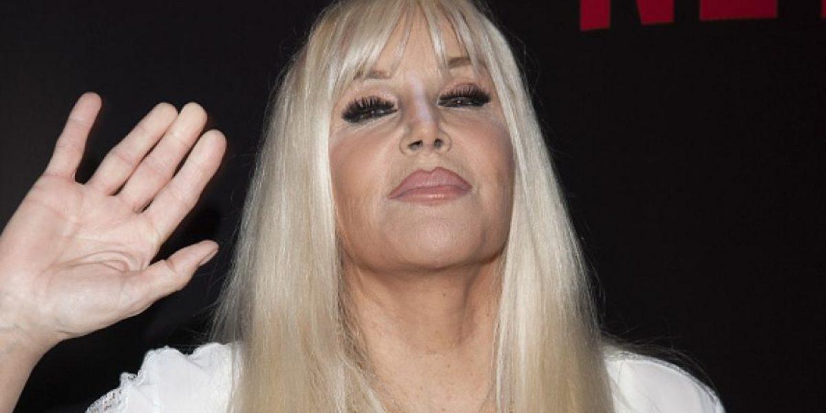 VIDEO. Presentadora argentina casi muestra sus senos en pleno programa