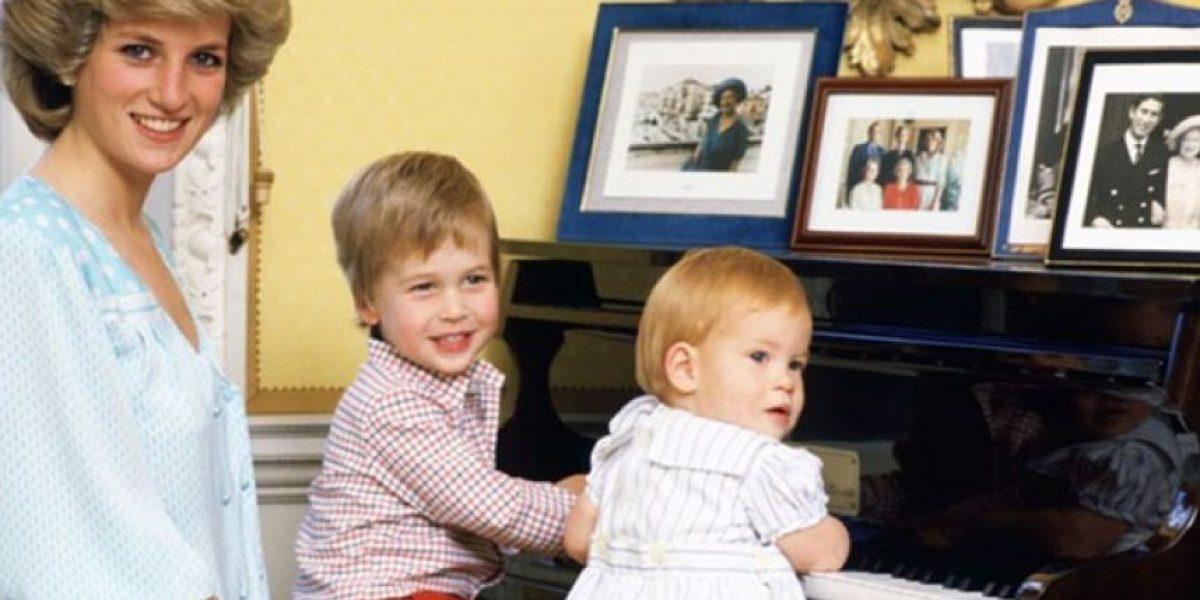 El emotivo mensaje que envió el príncipe William a un niño que, al igual que él, perdió a su mamá