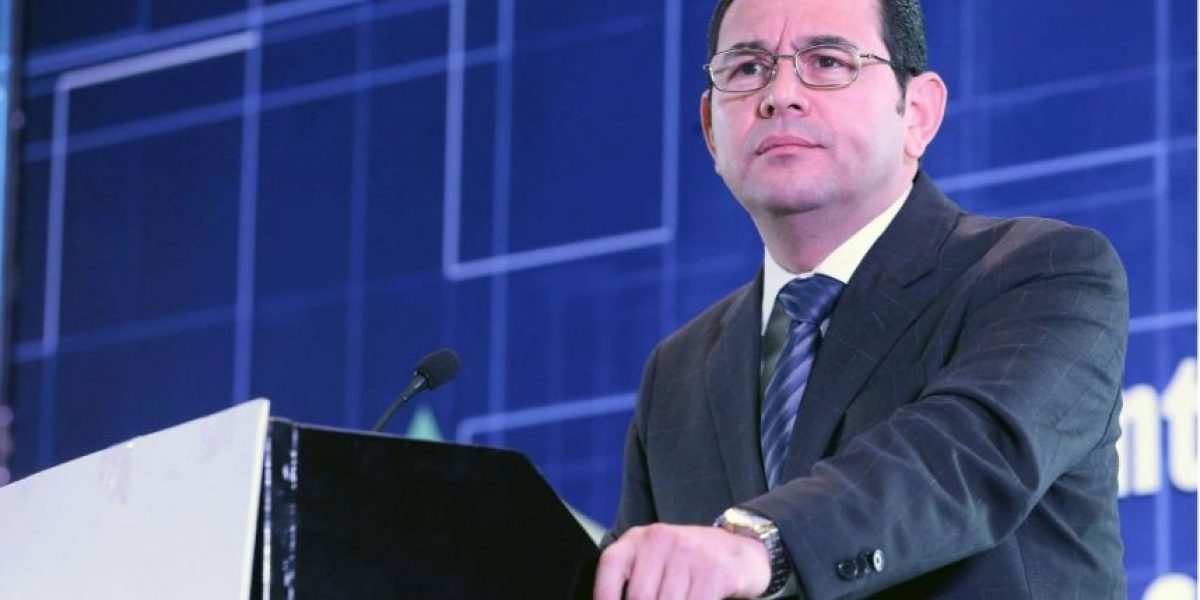 Presidente Jimmy Morales le pide al Congreso que le devuelva la iniciativa de reforma tributaria