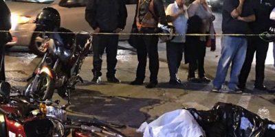 Aparatoso accidente en Avenida Reforma termina con fallecimiento de repartidor en moto