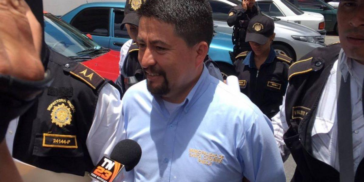 Juez le pide disculpas a alcalde que estuvo detenido 3 horas por el caso El Cambray