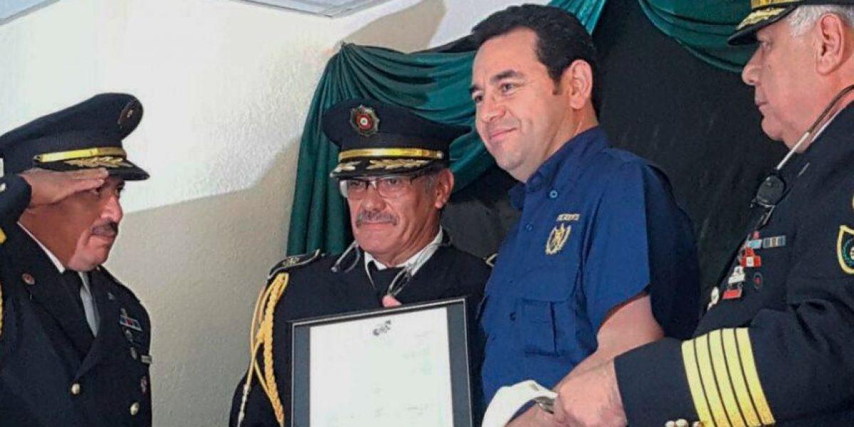 Presidente Morales recibe medalla