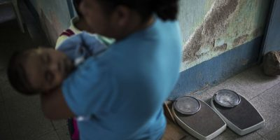 En el puesto de salud de al aldea Shalaguá se lleva control de madres e hijos. Foto:Oliver de Ros