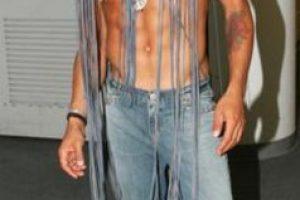 Lenny Kravitz en 2004, como en un desfile de John Galliano. Pero Galliano haría algo mejor que esto. Foto:Getty Images