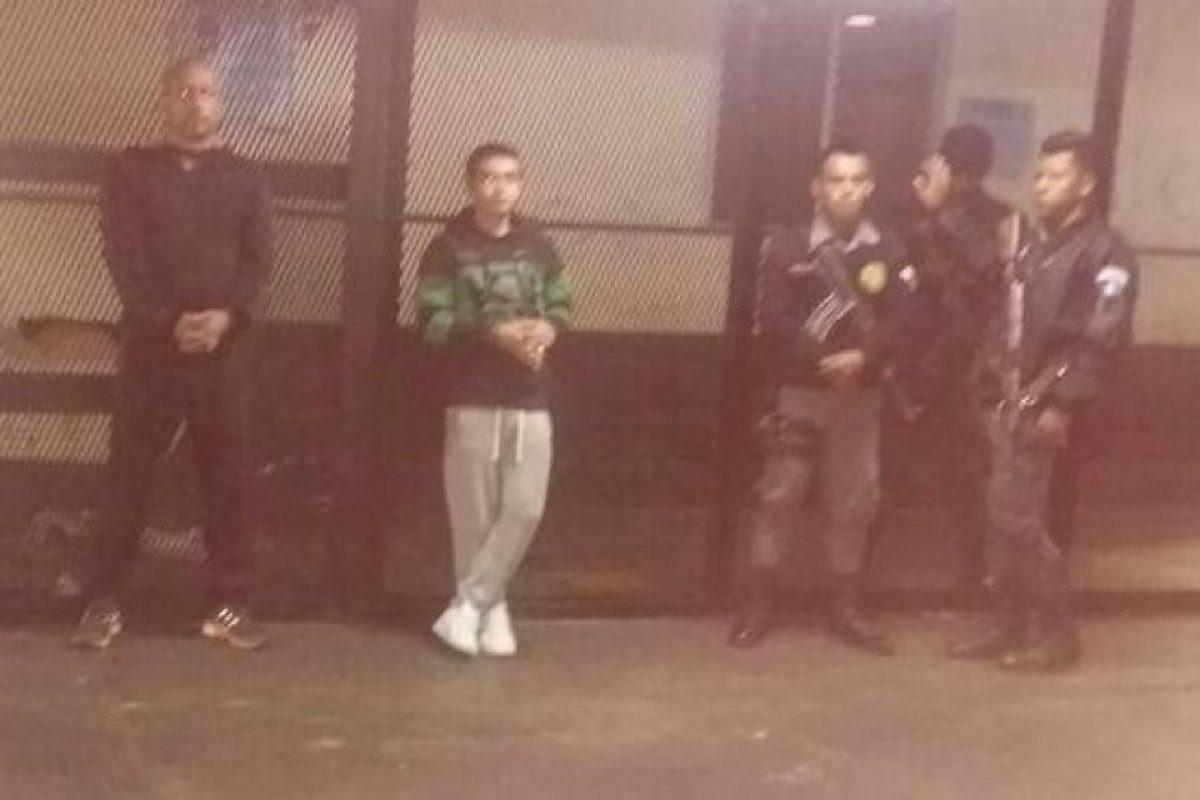 Monroy y el pandillero Cifuéntes. Foto:SP