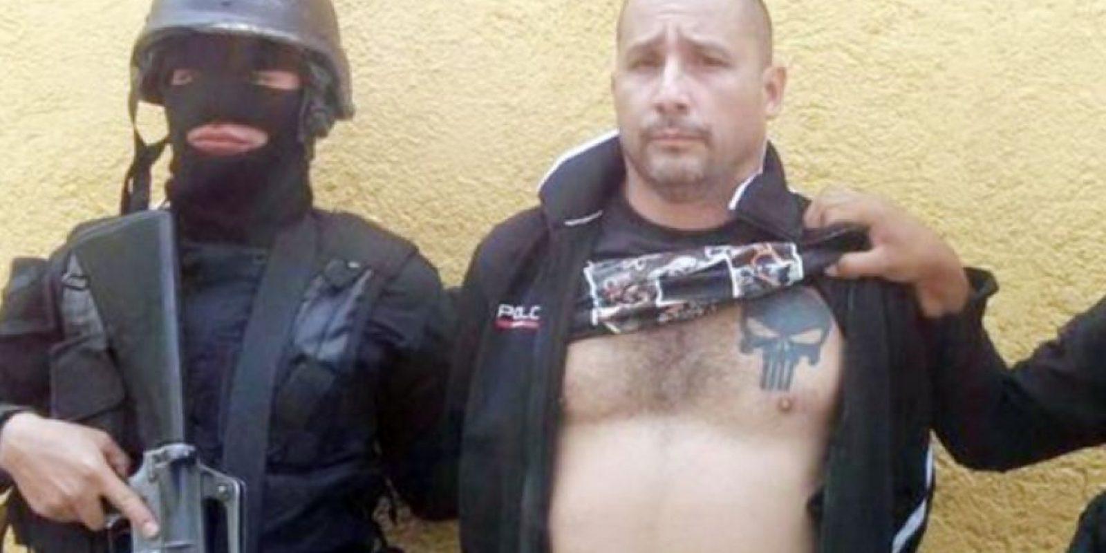 En el pecho luce un tatuaje, e s el emblema de The Punisher , un justiciero y antihéroe de historietas creado por Gerry Conway en 1974. Foto:PNC