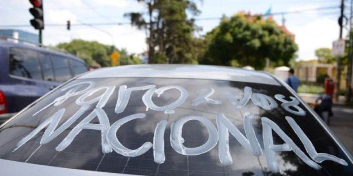 Guatemaltecos rememoran el paro nacional con protesta pacífica