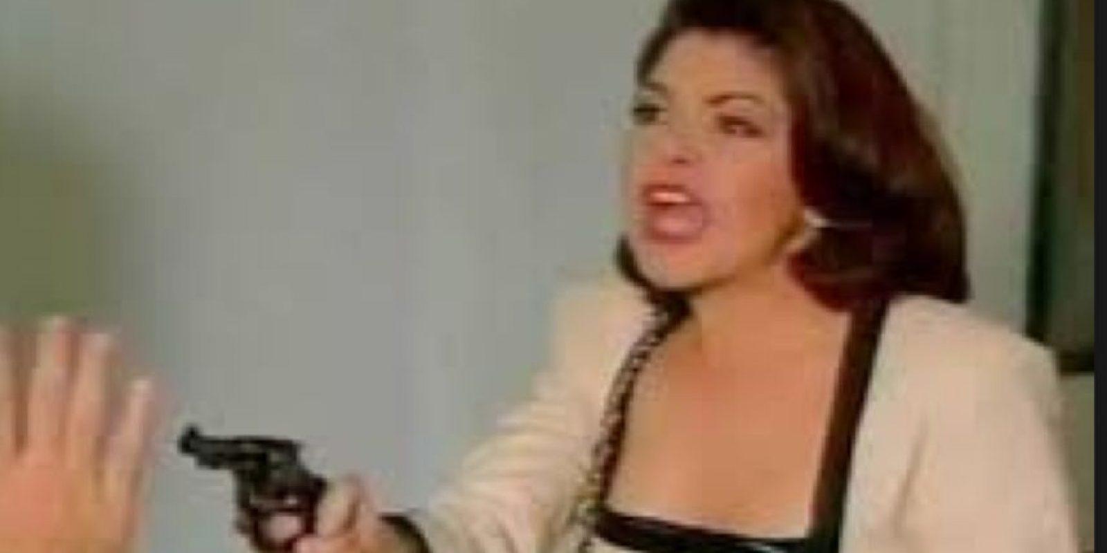"""Según Tanya Meléndez """" La villana tiene un disfrute de la moda que se le niega a la heroína, ya que con su ambición y su posición puede acercarse a ella. Además, cuando se ve la telenovela, hecha para mujeres que tienen mucho que hacer, se le debe reconocer de un modo fácil."""" Foto:vía Canal de las Estrellas"""