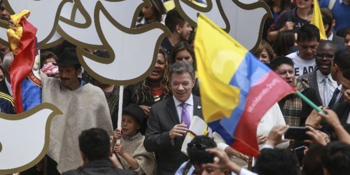 Juan Manuel Santos convoca plebiscito de paz con las FARC