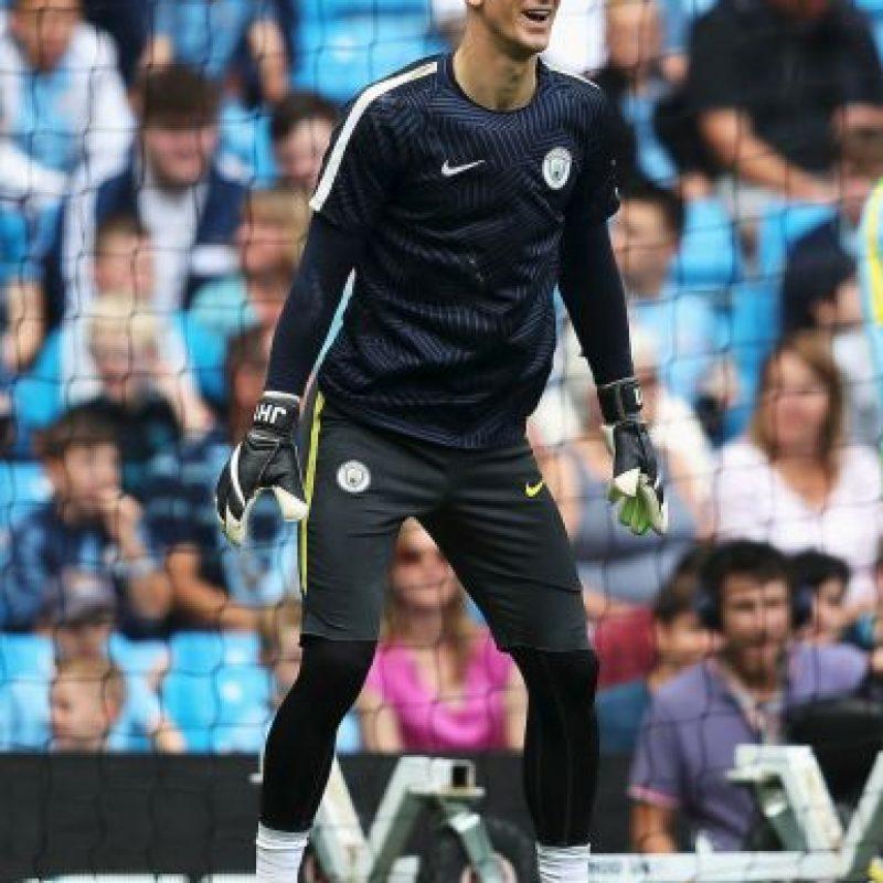 Portero: Joe Hart. En su momento costó un millón de euros al Manchester City, ahora no entró en planes de Josep Guardiola Foto:Getty Images