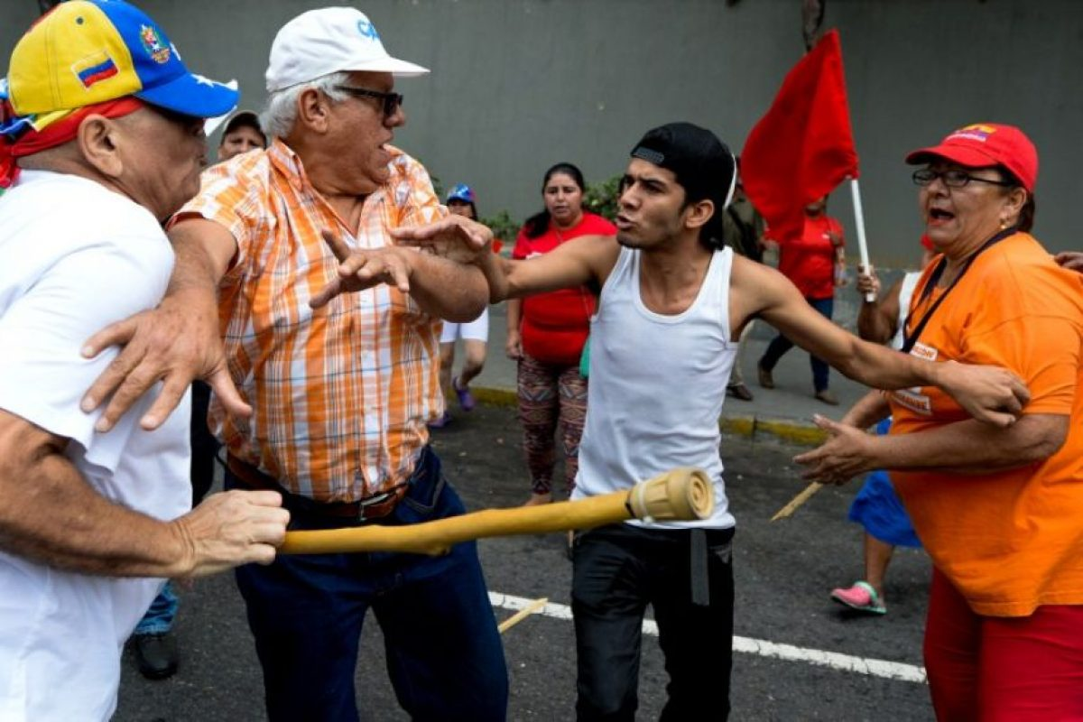 En algunos lugares hubo confrontaciones Foto:AFP
