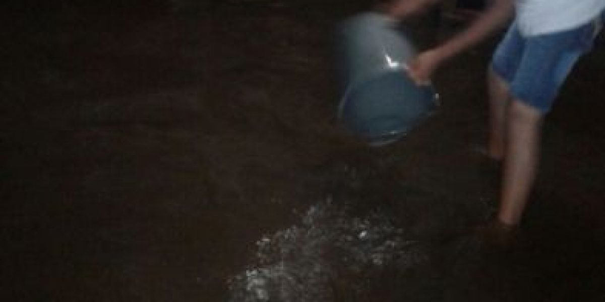 Lluvias dejan inundaciones y deslizamiento en la capital y en Suchitepéquez