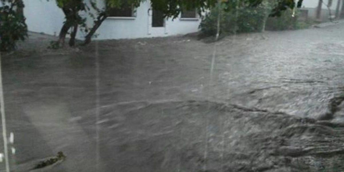 VIDEO. Lluvias torrenciales inundan calles de Suchitepéquez