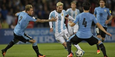 Y con un gol de su autoría, Argentina venció a Uruguay Foto:AFP