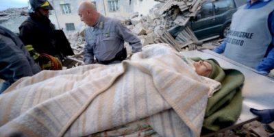 El terremoto ya dejó 295 víctimas. Foto:AFP