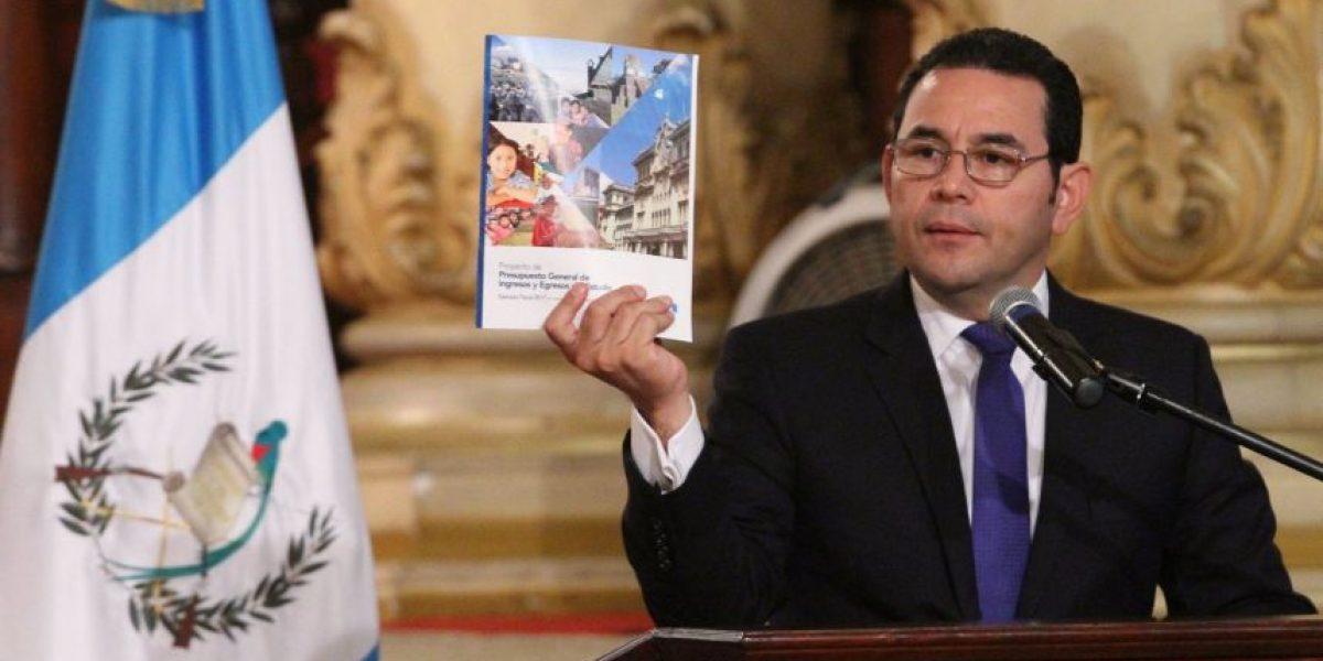 Presidente Jimmy Morales defiende presupuesto en redes sociales