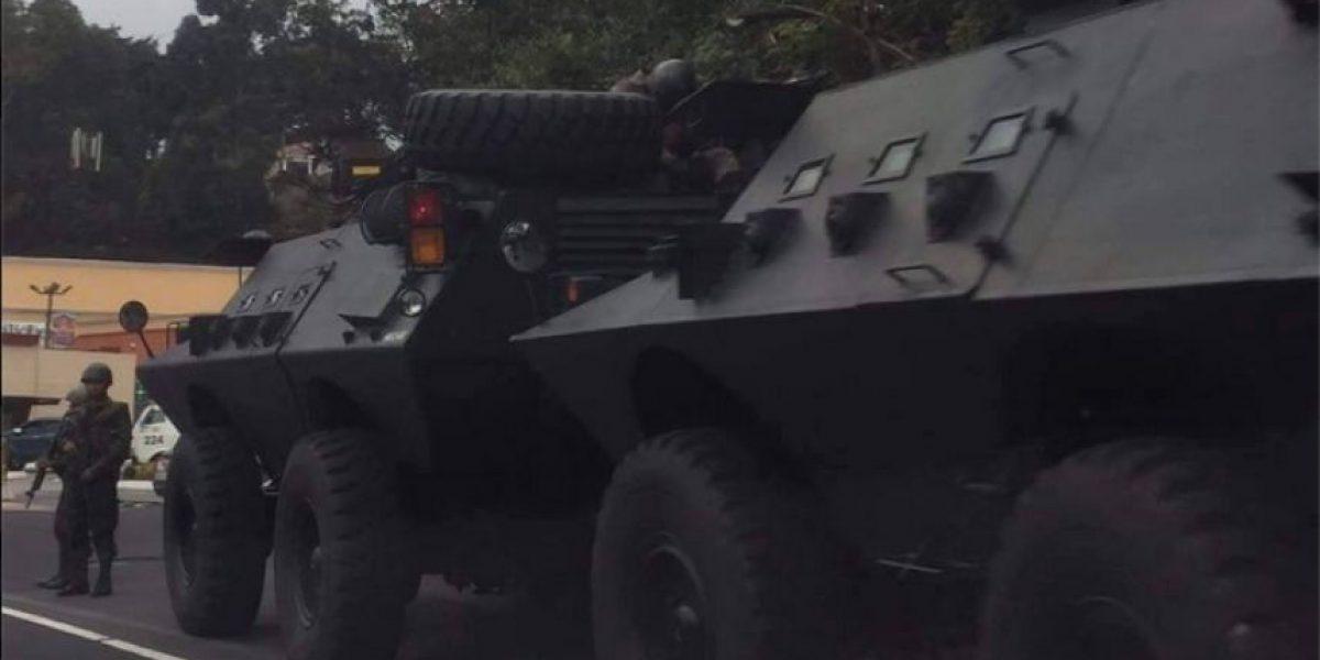 ¿Por qué varias tanquetas transitaban por carretera a El Salvador ?