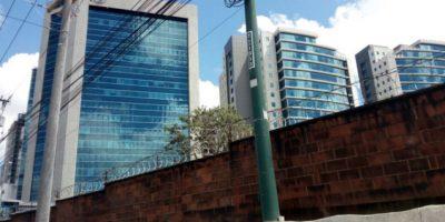 Oficinas y estacionamientos vinculados a Baldetti están bajo poder de la Senabed