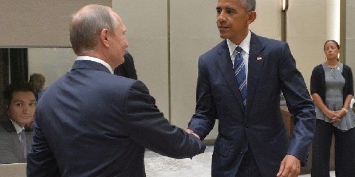 """FOTOS: La """"fría"""" mirada entre Barack Obama y Vladimir Putin en China"""