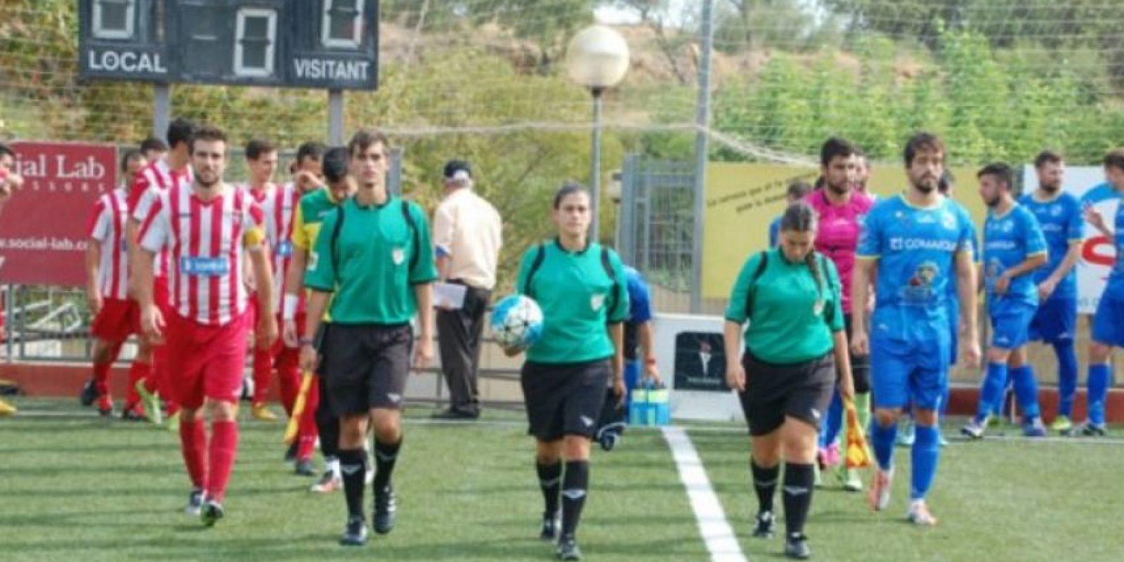 Marta Galego detuvo un partido en la Segunda Catalana, luego de que sufriera ofensas por un hincha Foto:Segunda B