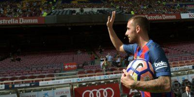 El Camp Nou le da la bienvenida a Paco Alcácer