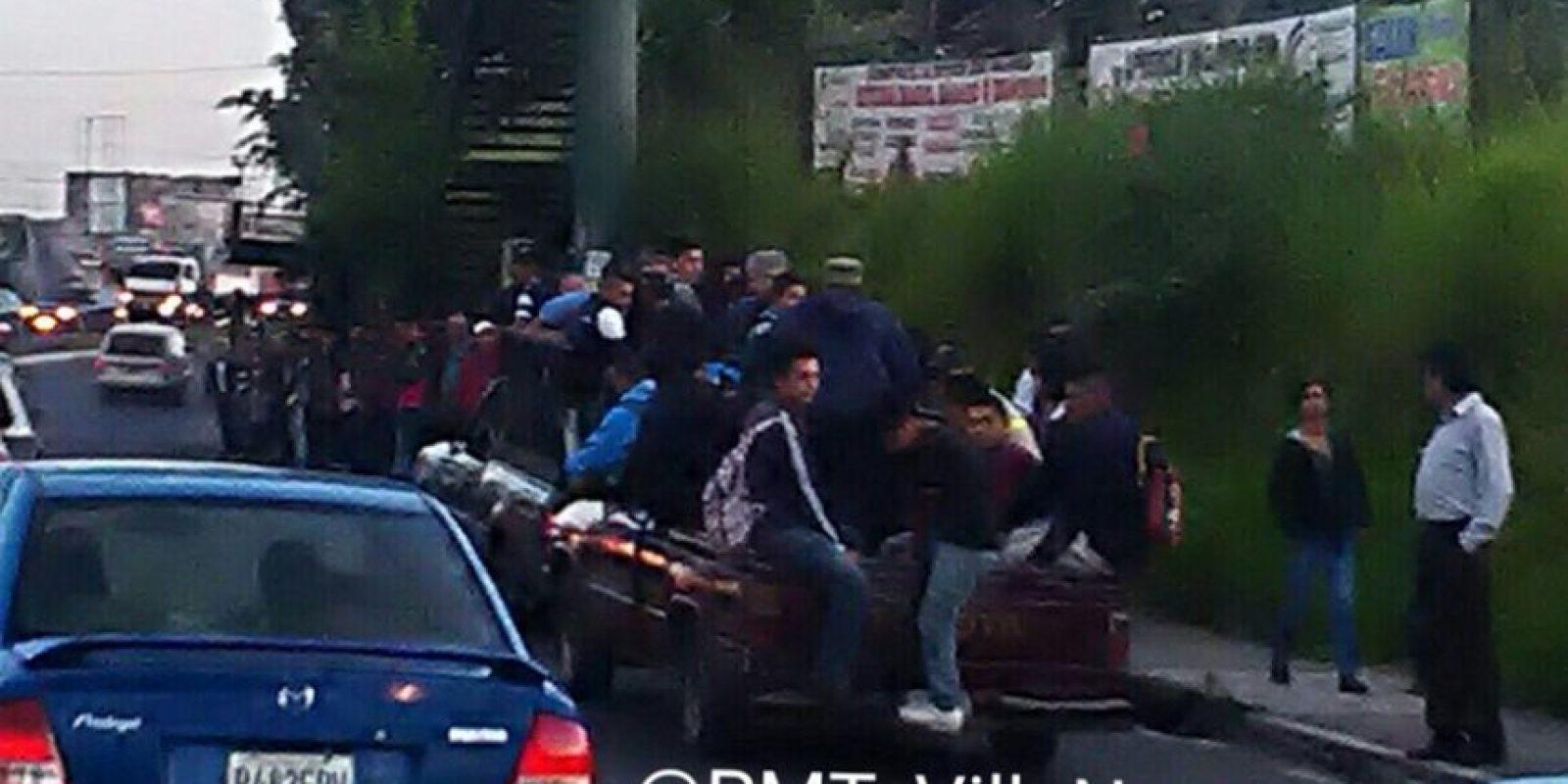 Usuarios del Transurbano han tenido que viajar en picop. Foto:PMT de Villa Nueva