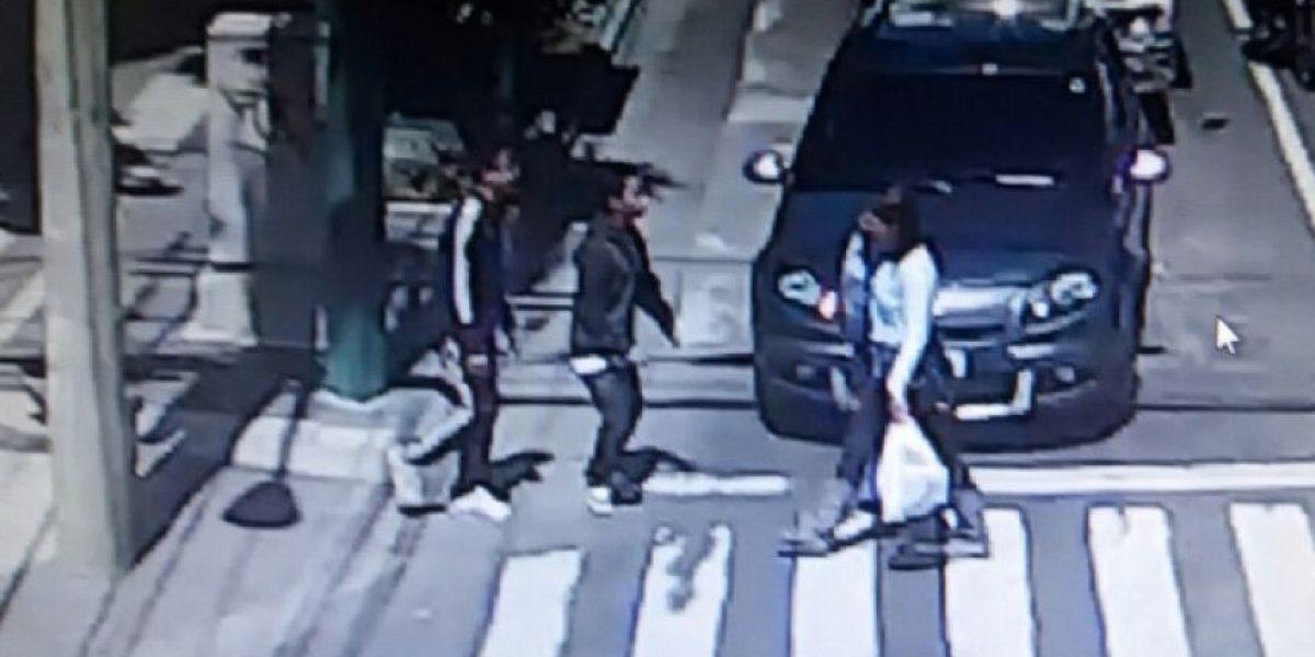 VIDEO. Captan asalto a peatón y capturan a tres menores