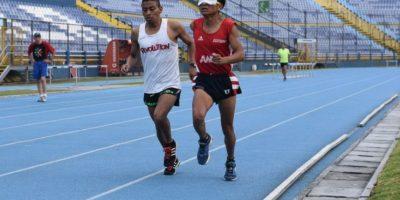 Atleta paralímpico guatemalteco pierde a su madre mientras se encuentra en Rio