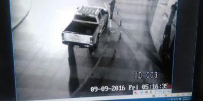 Captan a hombre robando emblema a vehículo en zona 10