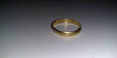 ¡En nombre del amor! Encuentran al dueño de anillo de compromiso perdido de 1979