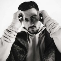 Vogue Foto:Así lució en L' Uomo para Vogue Italia
