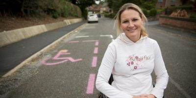 Claire Lomas: la mujer paralítica y embarazada que corrió maratón