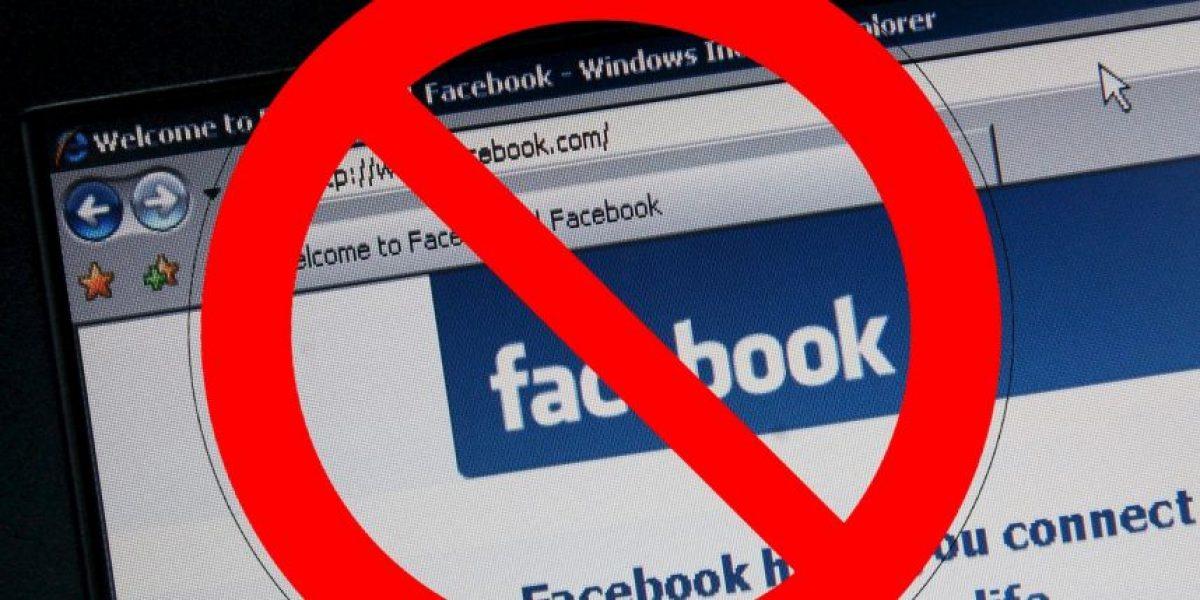 Facebook a juicio por no bloquear la imagen de una niña desnuda